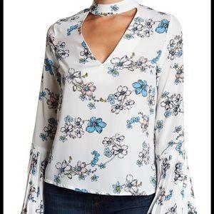 Romantic floral blouse 👚🌸🌷💐